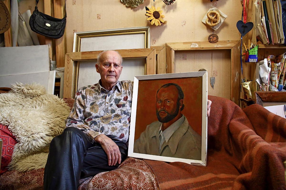 Автопортрет Иосифа Адамовича, вдохновленный работами Винсента Ван Гога.