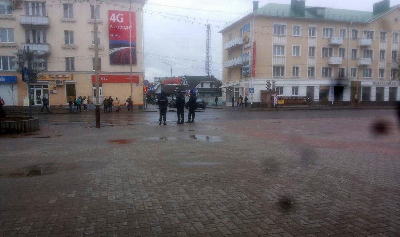 Площадь Ленина 19 марта. 16.00. Фото: Юлия ГРИЦКЕВИЧ
