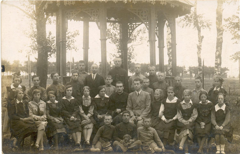 Навучэнцы баранавіцкай школы імя Міцкевіча, 10 чэрвеня 1926