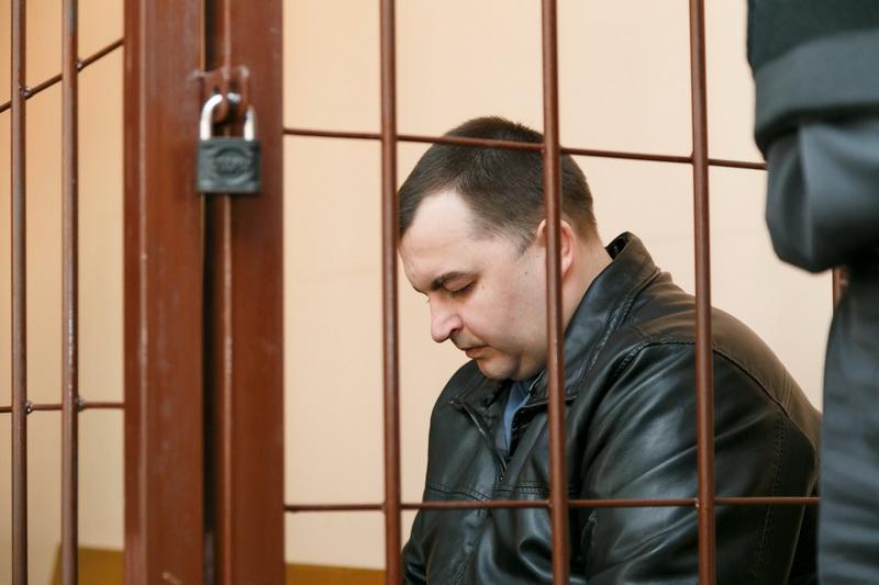 Андрей Волковыцкий  в зале суда до начала заседания  28 февраля.  Фото: Александр КОРОБ