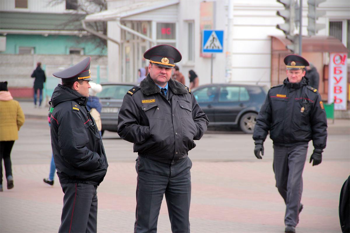 На мероприятии присутствовали сотрудники правоохранительных органов.