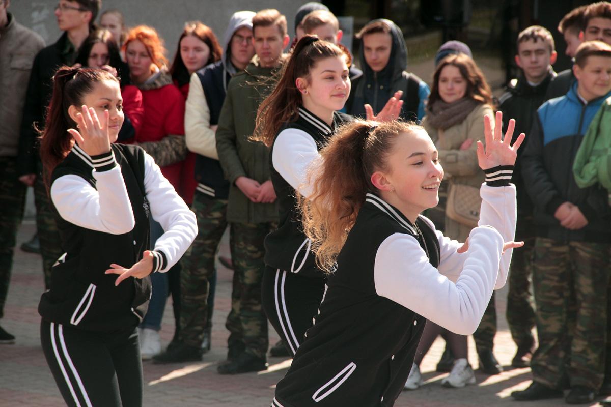 Танцевальный флешмоб Ananko Dance School.