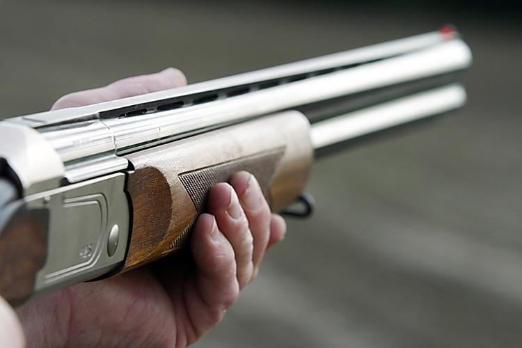 ВБарановичском районе рыбак-браконьер грозил  инспекторам охотничьим ружьем