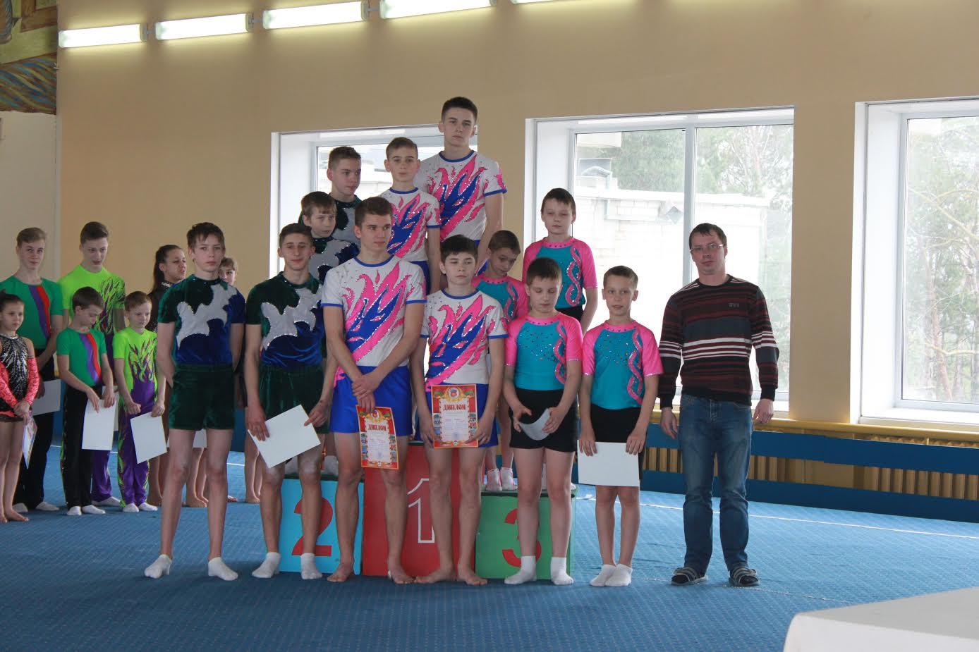 Барановичские спортсмены заняли первые места на областных соревнованиях по спортивной акробатике Фото: Игорь Лютик
