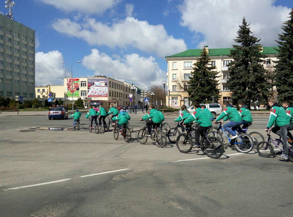 Велопробег стартовал с площади Ленина