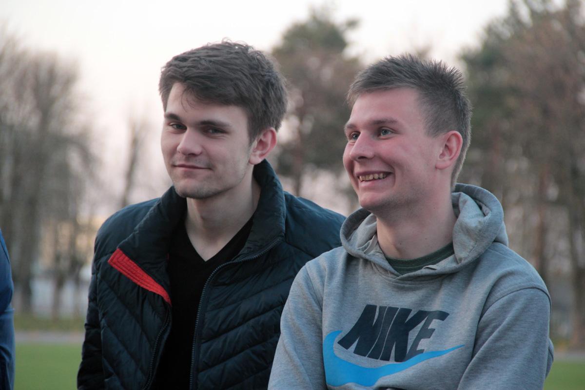 Футболисты ФК: Павел Ловгач (слева), Вячеслав Каборда.