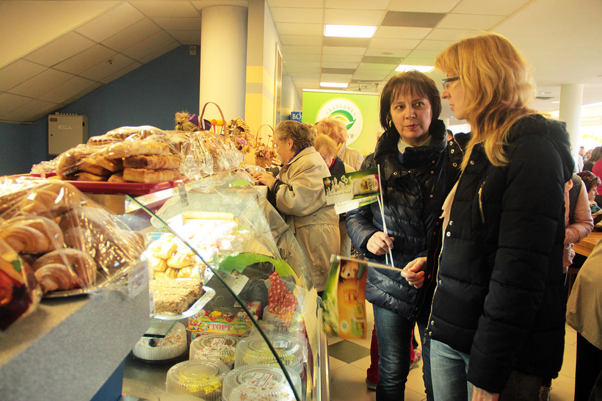 На выставке-ярмарке можно было купить выпечку и кондитерские изделия
