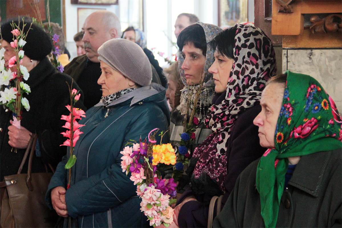 Праздничная служба в Свято-Покровском соборе. Фото: Юрий ПИВОВАРЧИК