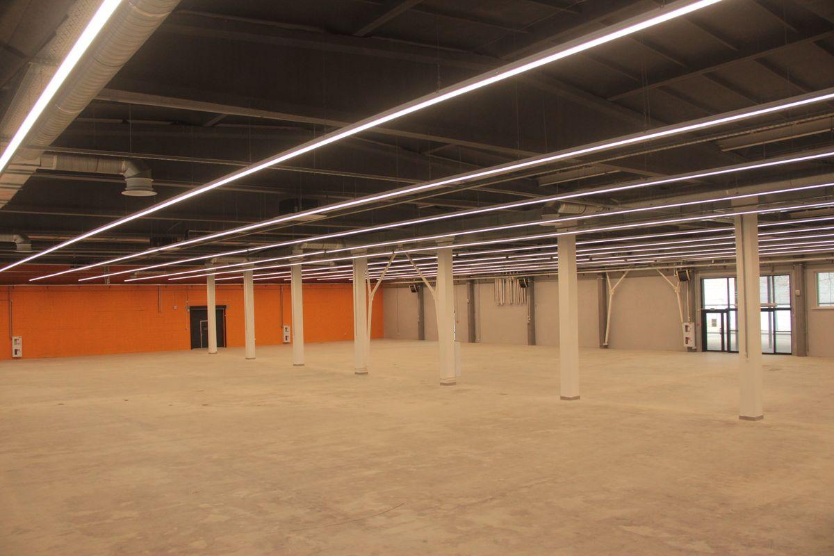 Торговая площадь строймаркета - около 3 тысяч квадратных метров