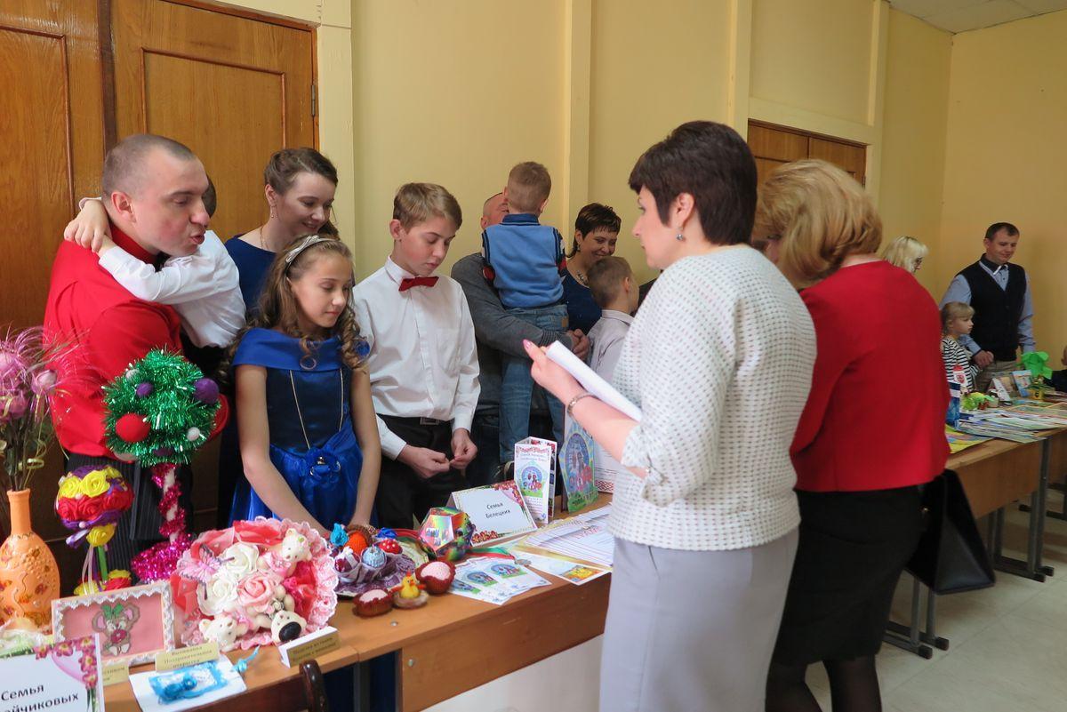 Жюри оценивает работы участников. Все фото: Ирина ПЛЮТО