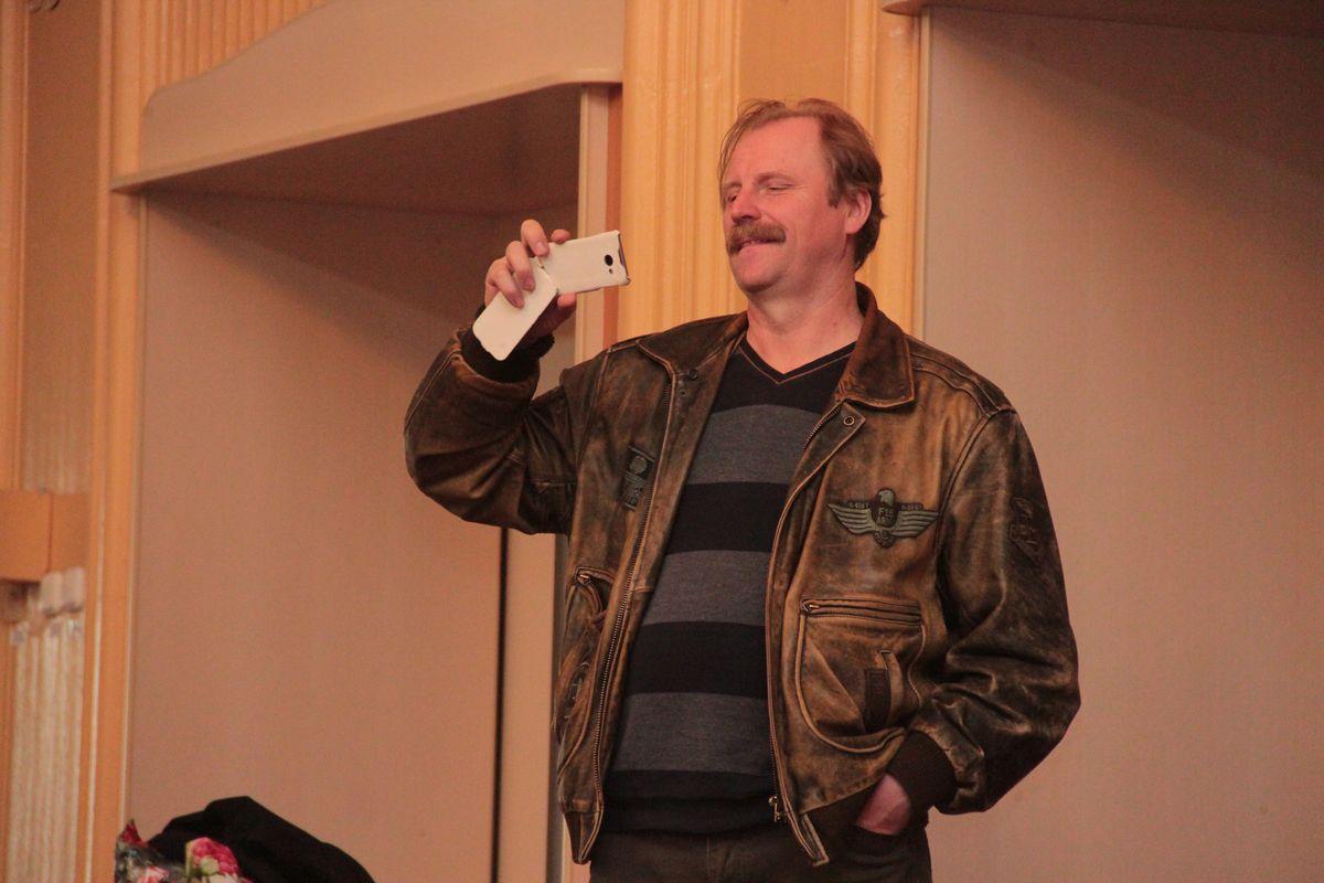 Александр Абрамович, режиссер Минской детской театральной студии «Галактика», приехал посетить несколько спектаклей.
