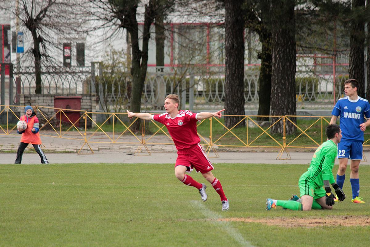 Антон Зеленевский - мяч в воротах!