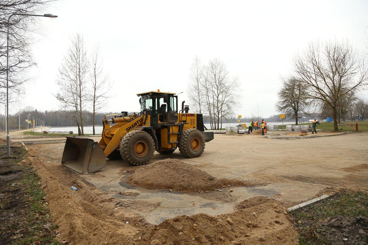 Строительство парковки планируют завершить к началу мая
