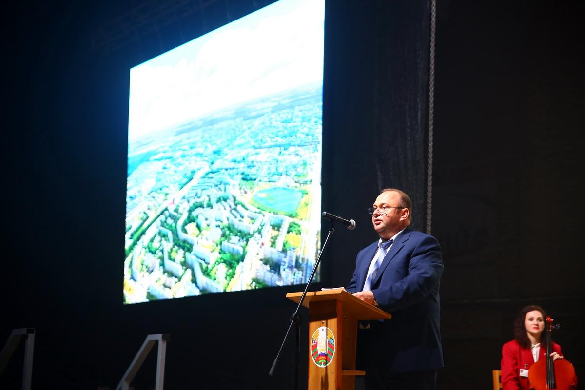 Председатель Барановичского горисполкома Юрий Громаковский.