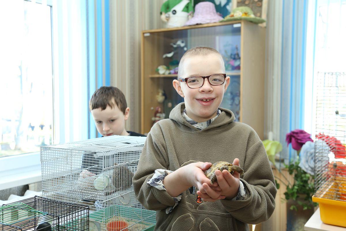 Воспитанник центра коррекционно-развивающего обучения Андрей.