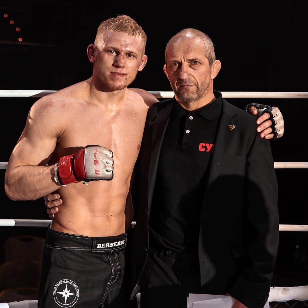 Максим Пугачев со своим наставником Александром Плавским, известным барановичским тренером.