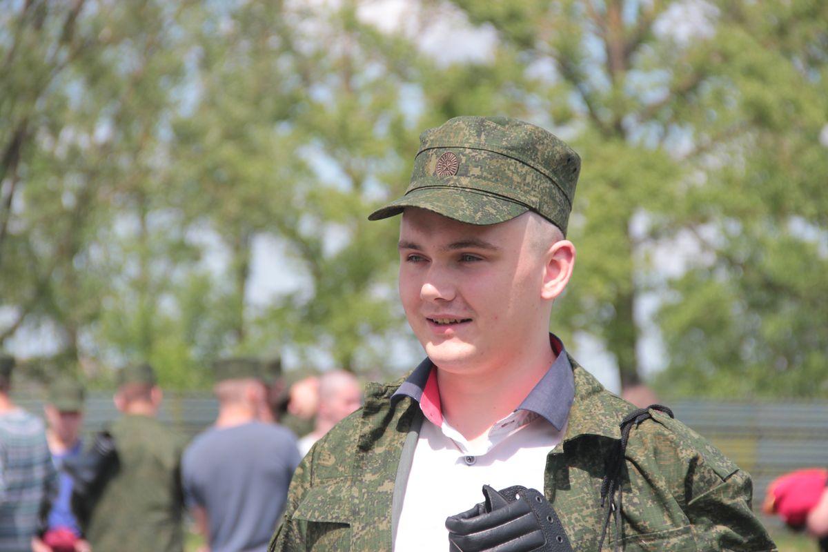 Призывник Михаил Волчун.