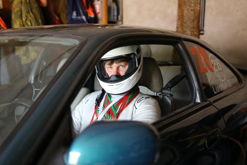 Дмитрий Лещук, для которого автогонки не просто хобби, а смысл жизни. Фото: Александр КОРОБ