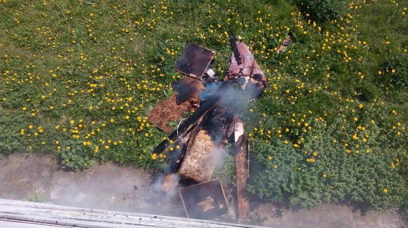 Пожар на ул. Фабричной. Все фото: Барановичский ГРОЧС