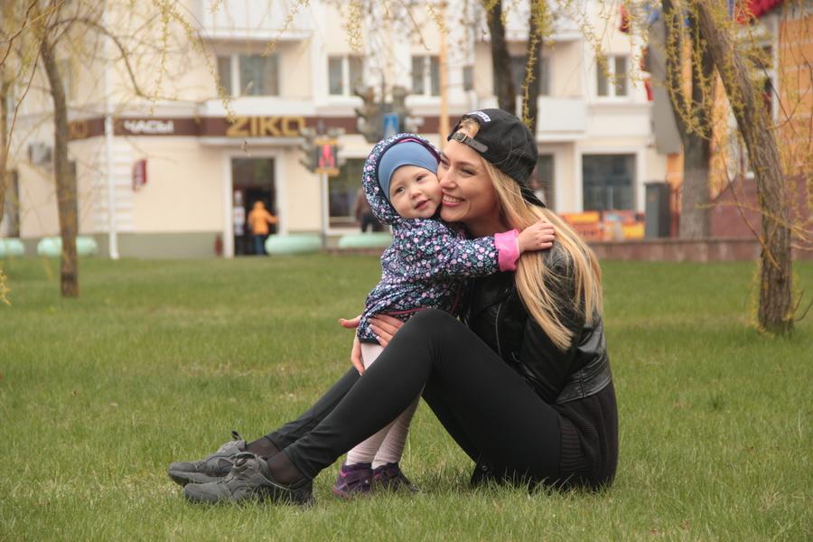 Яна Домашевич, дочке Маше 1 год 2 месяца. Фото: Юрий ПИВОВАРЧИК