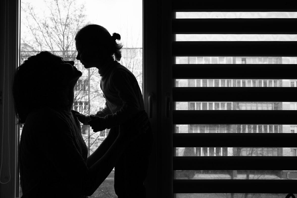 Горожанка Виктория с дочкой. Фото Александр КОРОБ