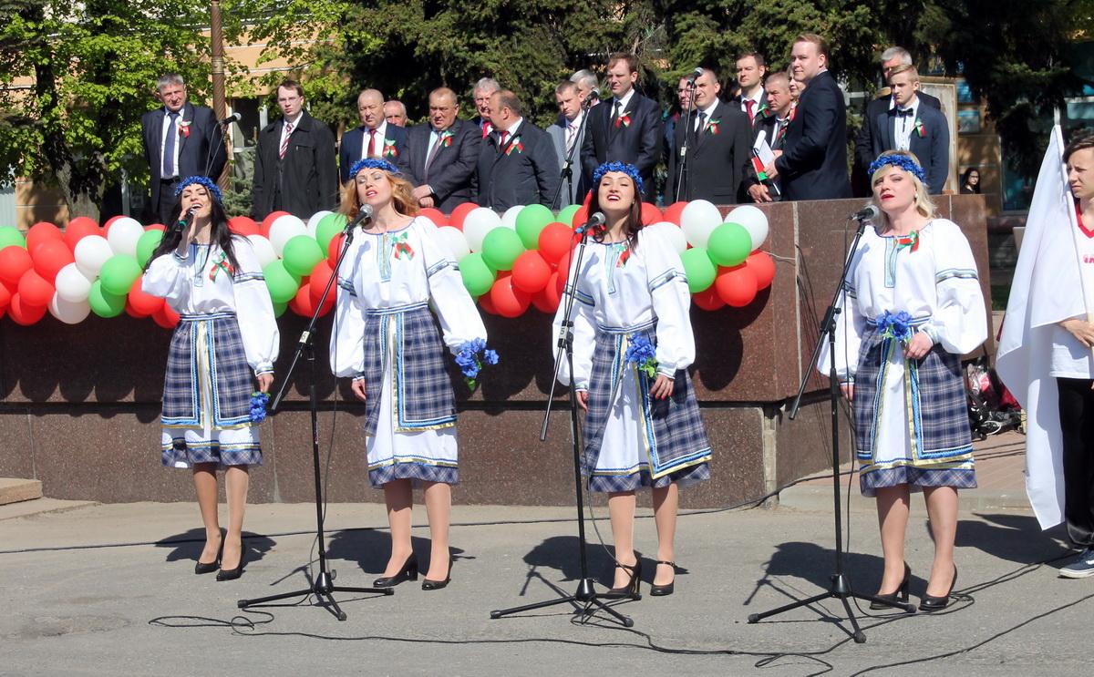 Вакальны гурт «Мішэль» Крошынскай дзіцячай школы мастацтваў.