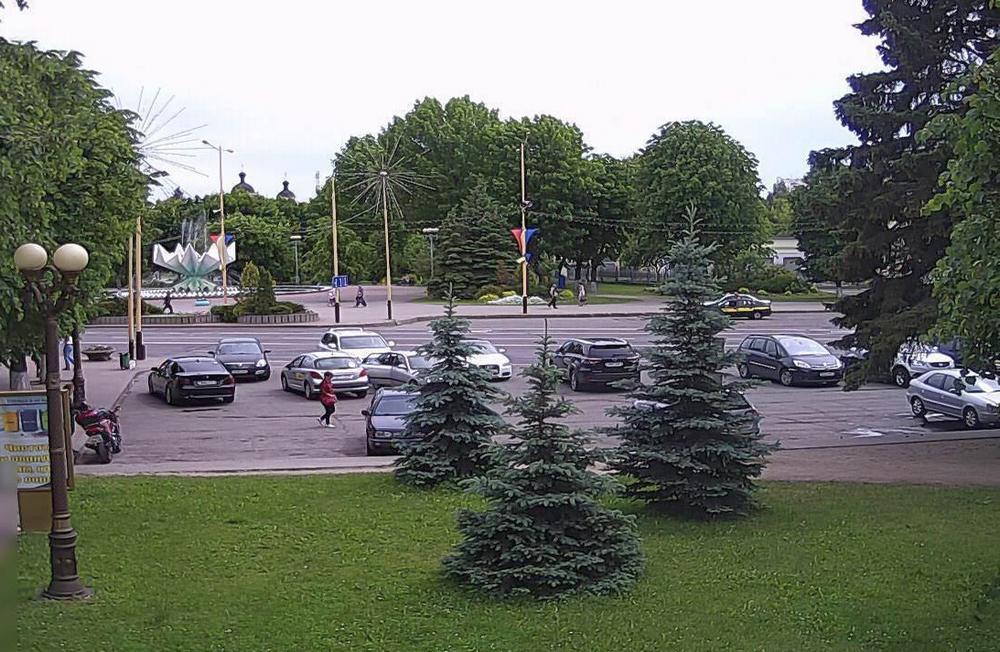 Веб-камера на площади. Фото: viewer.by