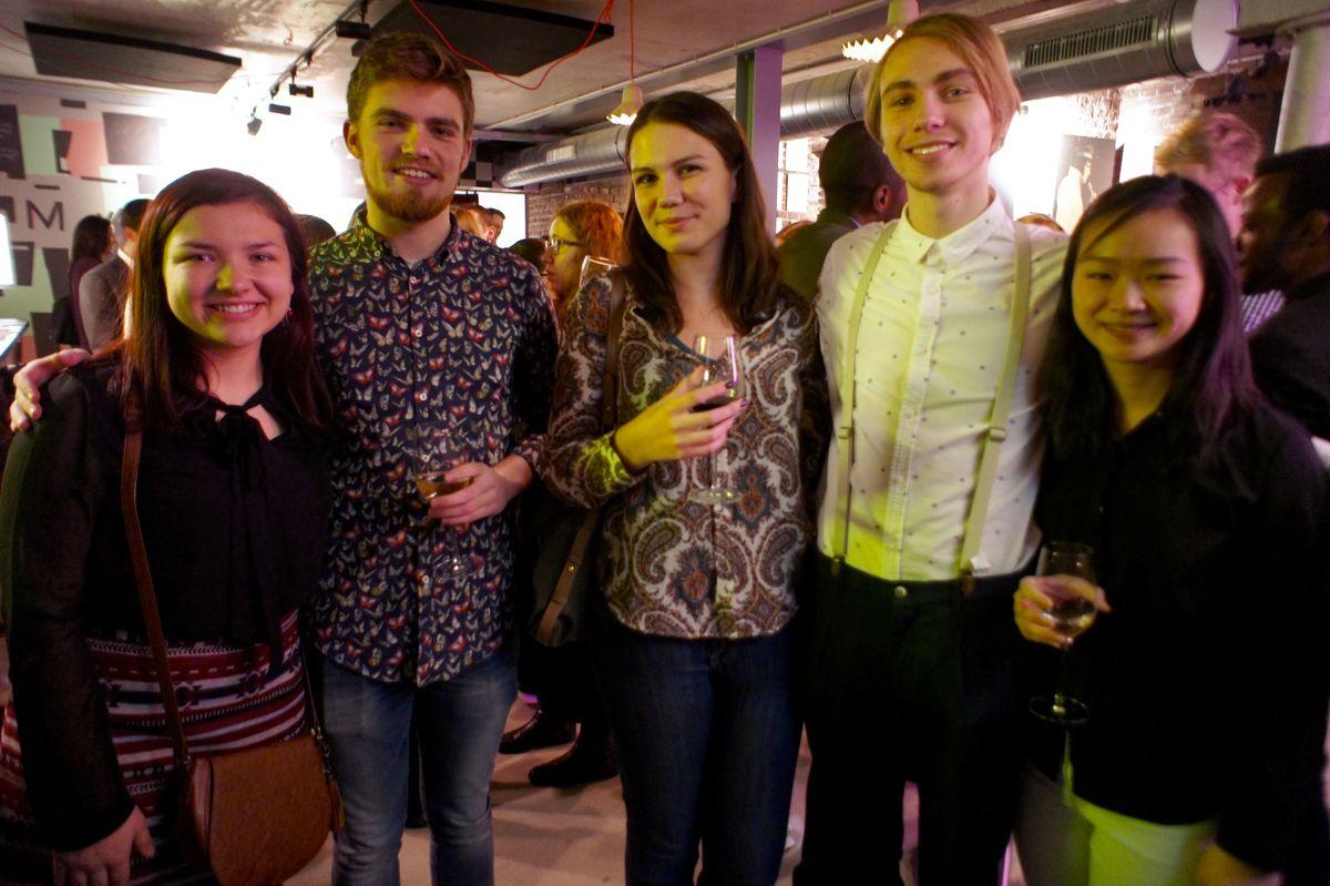 Илья со своими друзьями в одном из пабов Маастрихта.