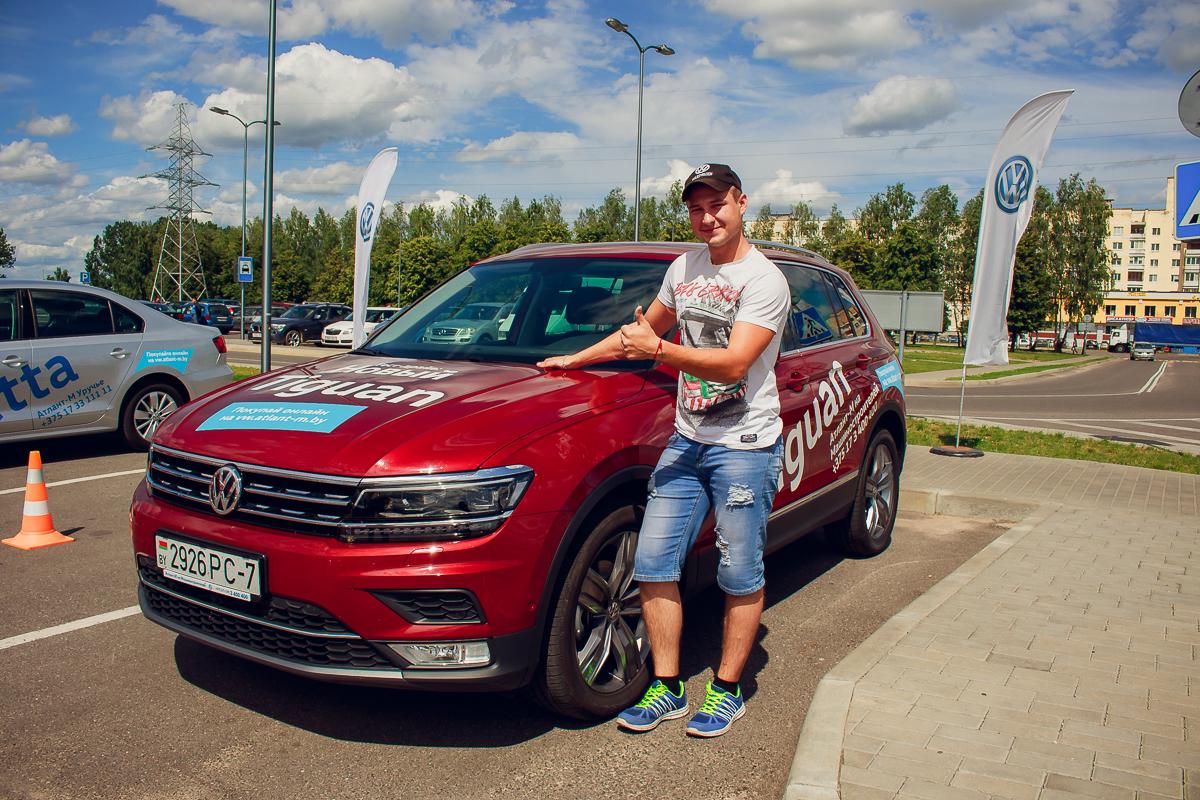 Александр Татаринович тестировал автомобиль Tiguan.