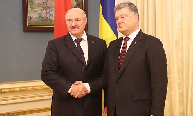 Александр Лукашенко на встрече с президентом Украины Петром Порошенко Фото: http://president.gov.by
