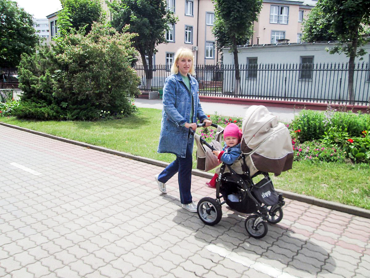 Ольга Китова с дочкой Дашей. Фото: Наталья СОЛОМЯНКО