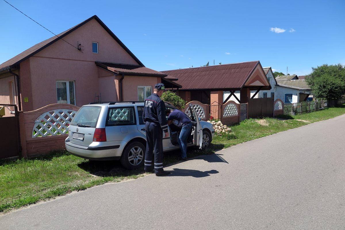 Volkswagen, водитель которого превысил скорость и не остановился по требованию сотрудника ГАИ.