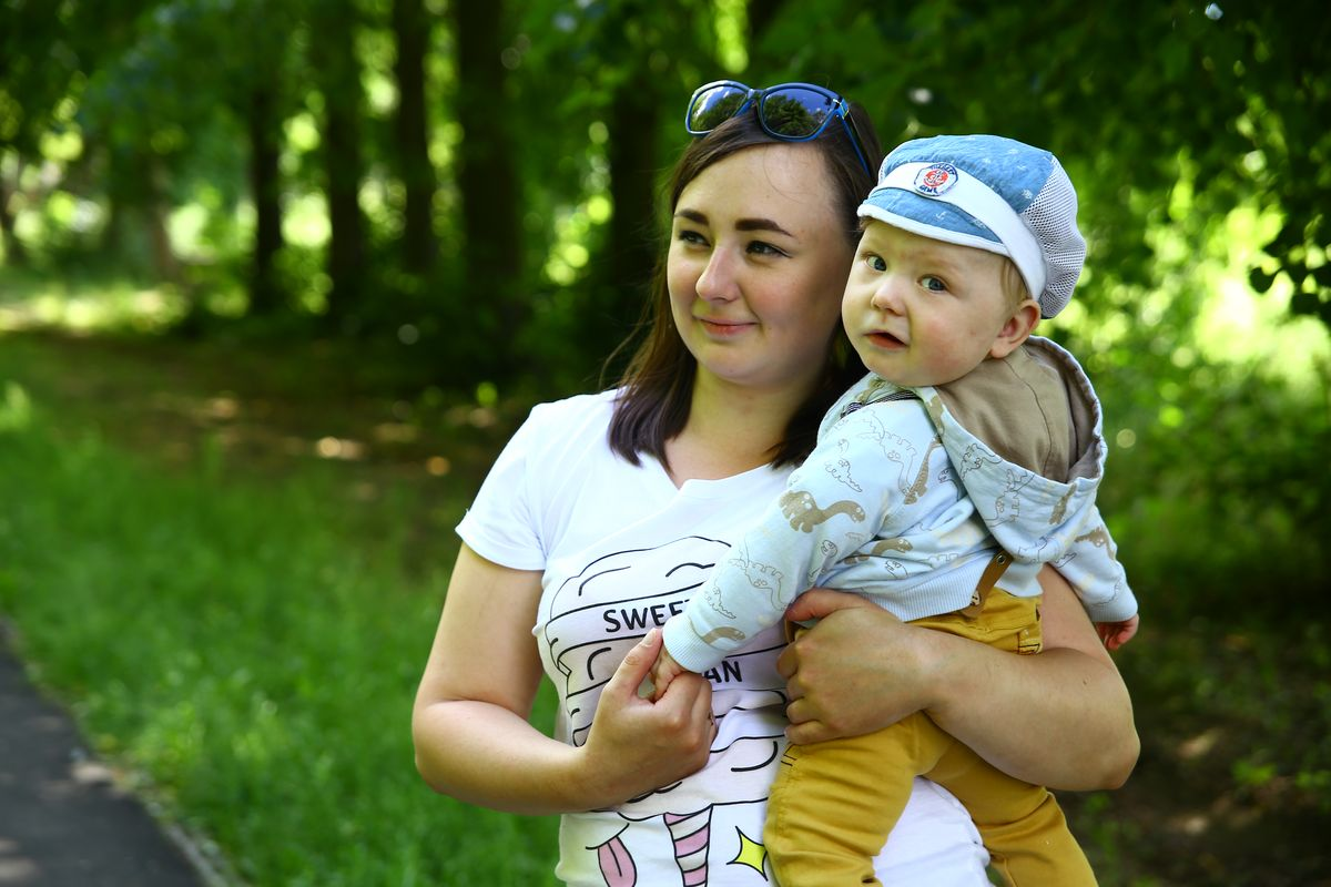 Ольга Белькевич с сыном Романом. Фото: Евгений ТИХАНОВИЧ