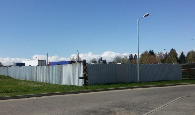 Территория строящегося магазина. Фото: Intex-press