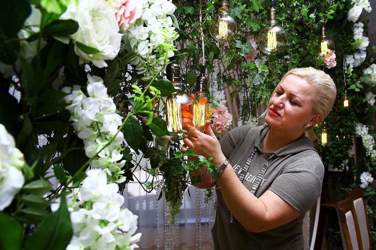 Наталья Логинович флорист-декоратор. Фото: Евгений ТИХАНОВИЧ