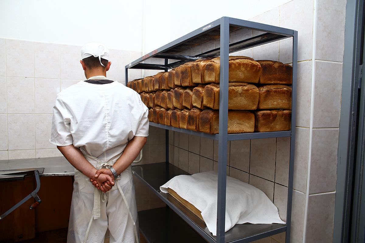 Хлеб в изолятор доставляют из ИК №5 г. Ивацевичи.
