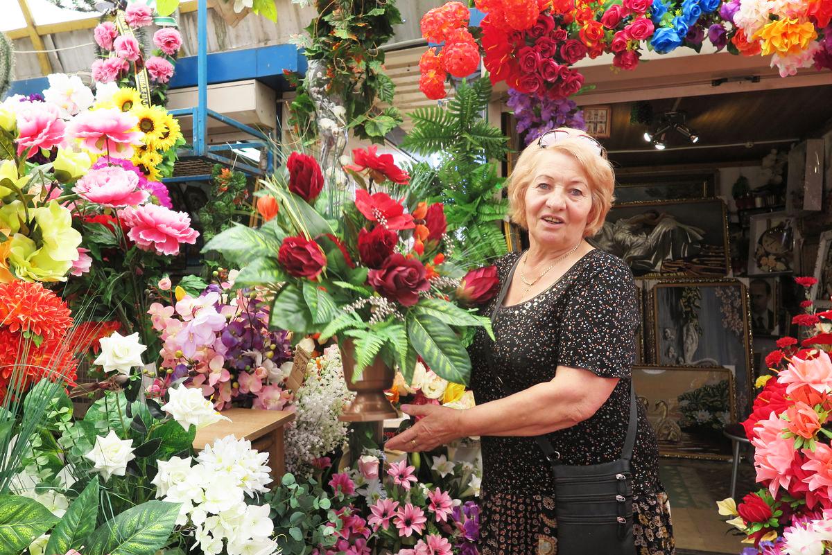 Валентина Ивановна торгует на рынке 25 лет.
