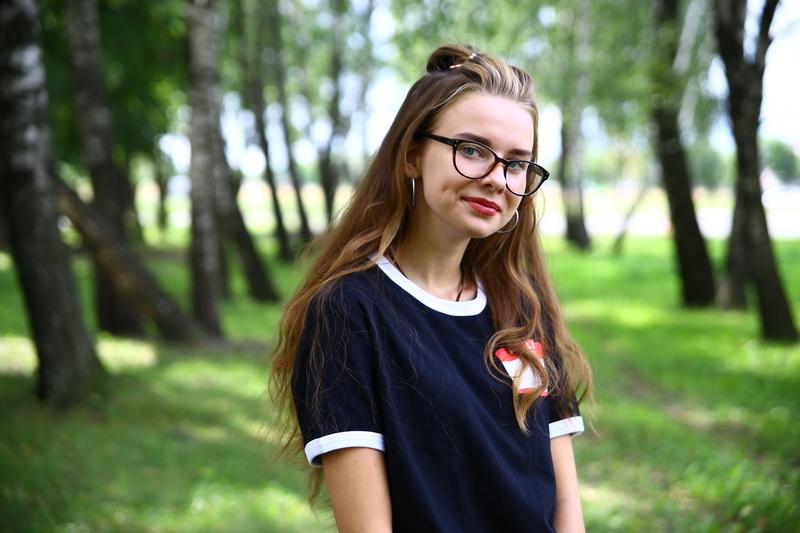 15-летняя Маша Абложей на ходу выпрыгнула на ходу из машины похитителя уже дома. Фото: Евгений ТИХАНОВИЧ