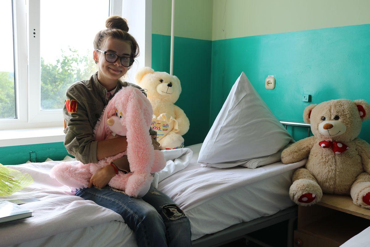 Маша Абложей в палате Барановичской городской больницы.