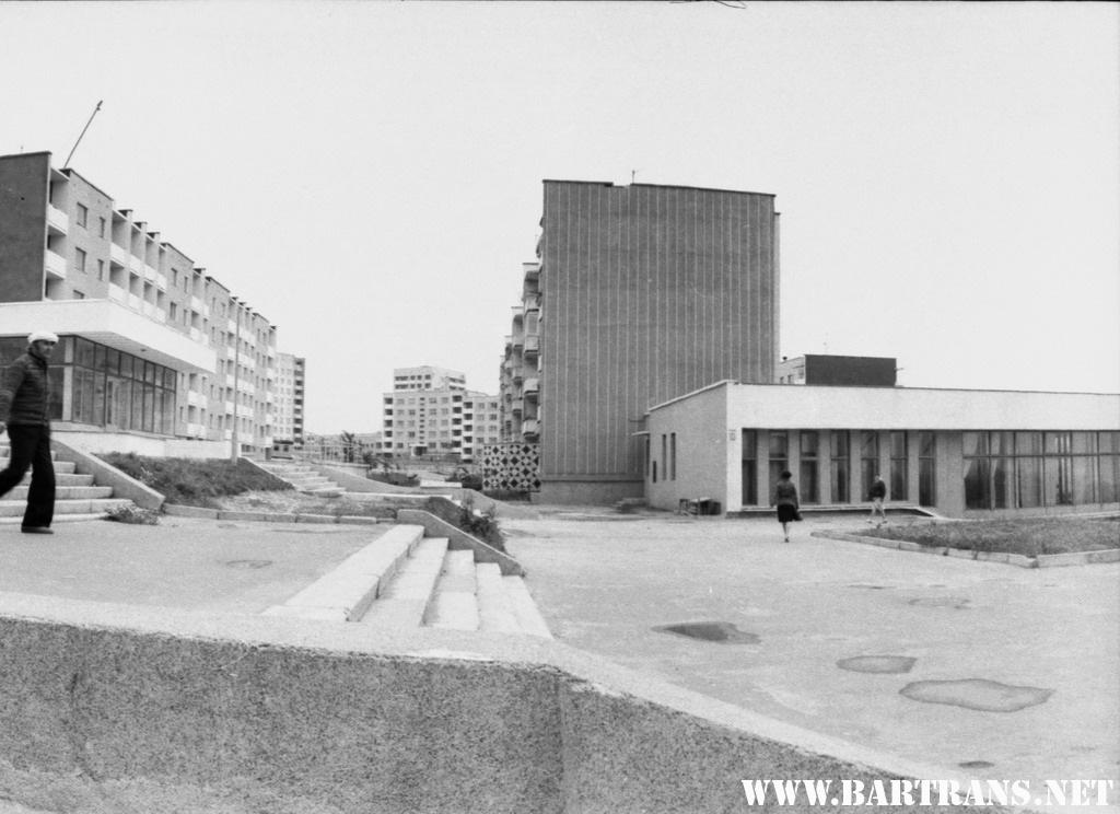 Микрорайон Северный, ул. Жукова, 1982 год. Сейчас – бульвар Карвата. Фото: сайт bartrans.net