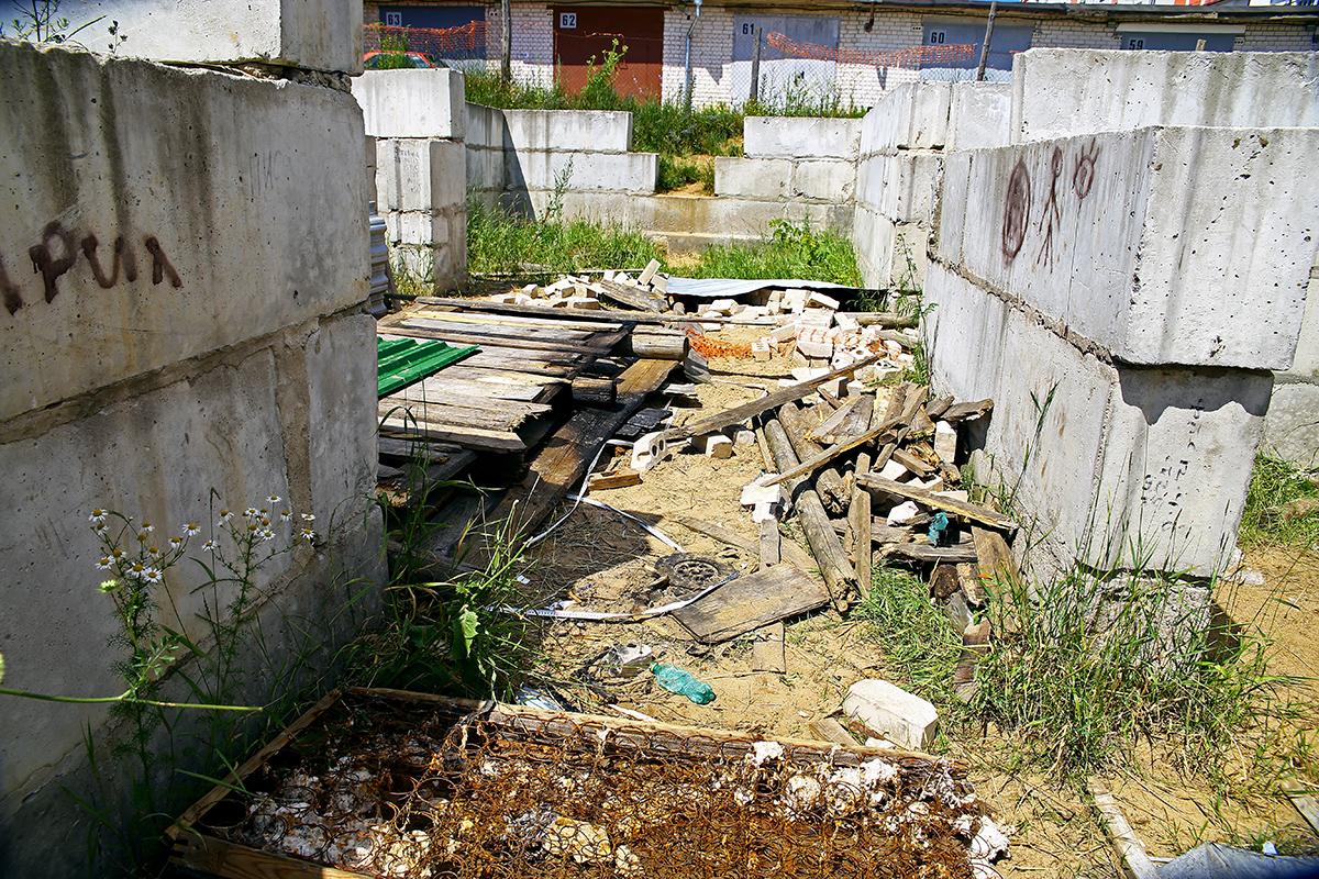 Так выглядела стройка через несколько дней после того, как там пострадали дети.