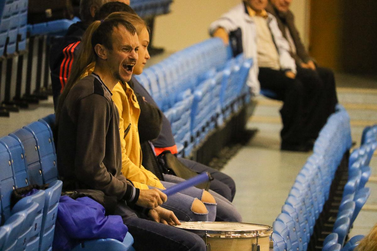 """Отчаянная поддержка болельщиков не помогла - """"Атлант"""" проиграл все матчи."""