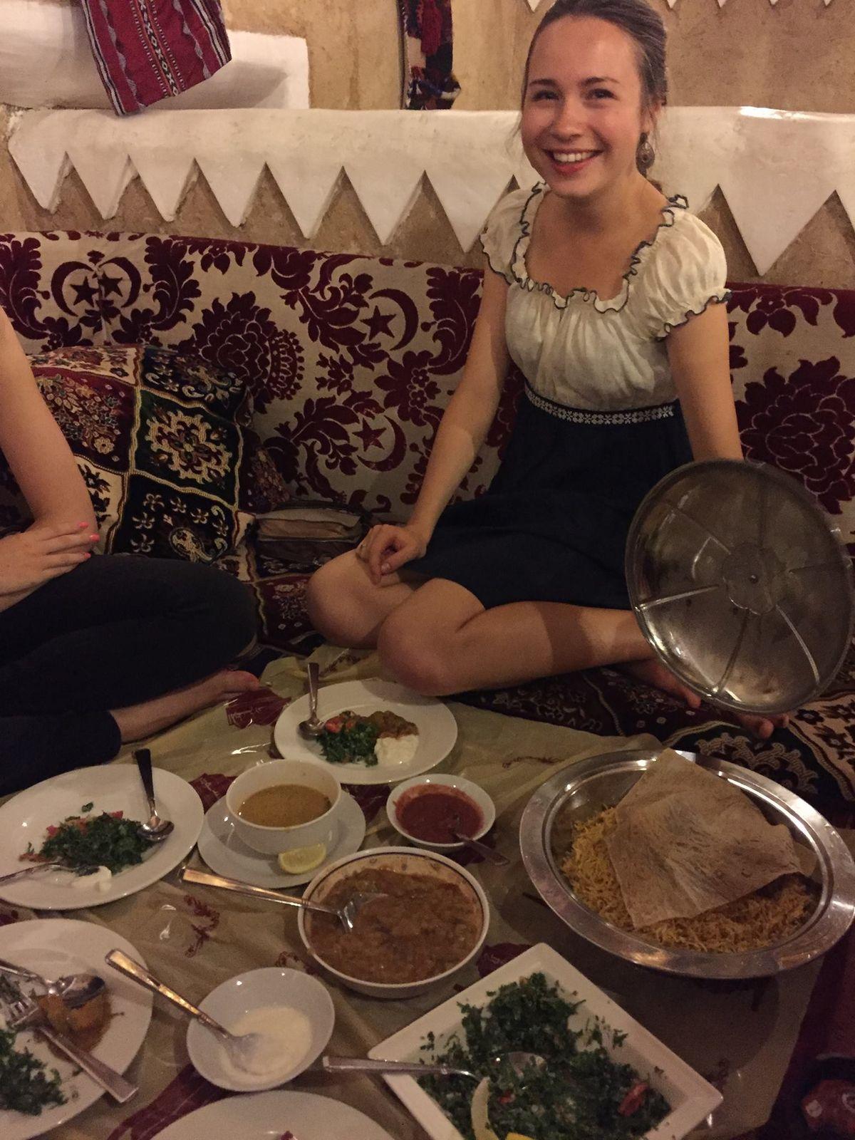 Традиционная еда в ОАЭ.