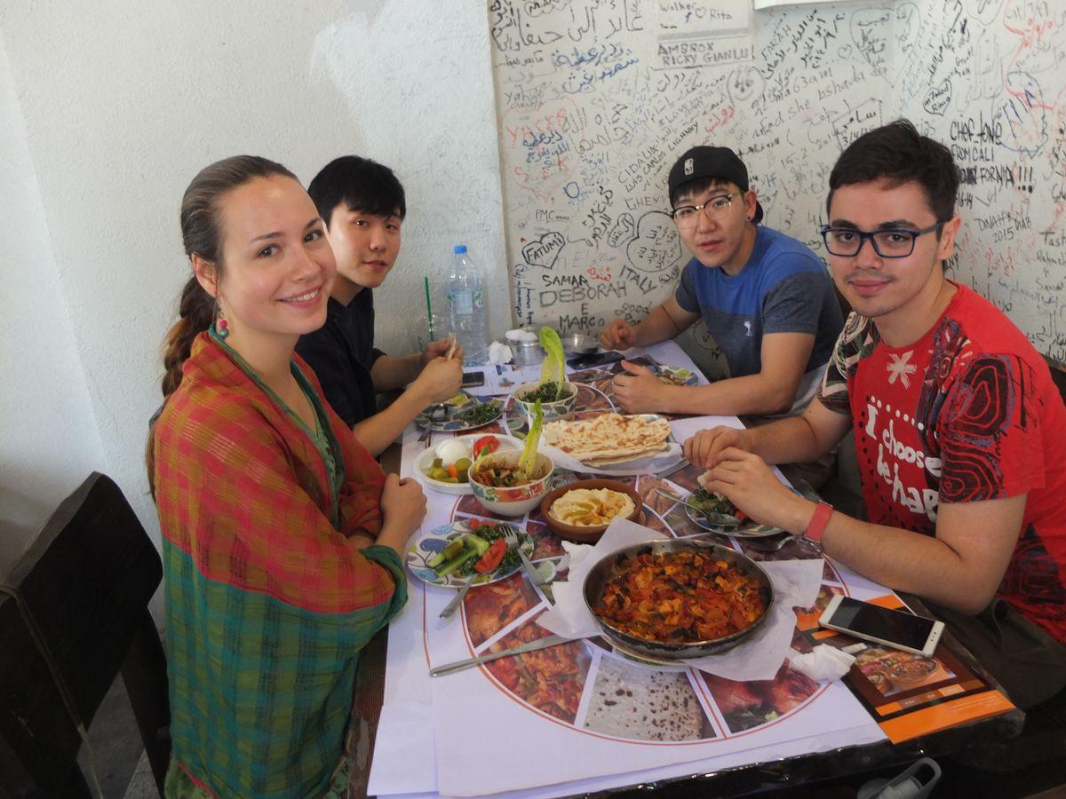 Завтрак с классом арабского языка.