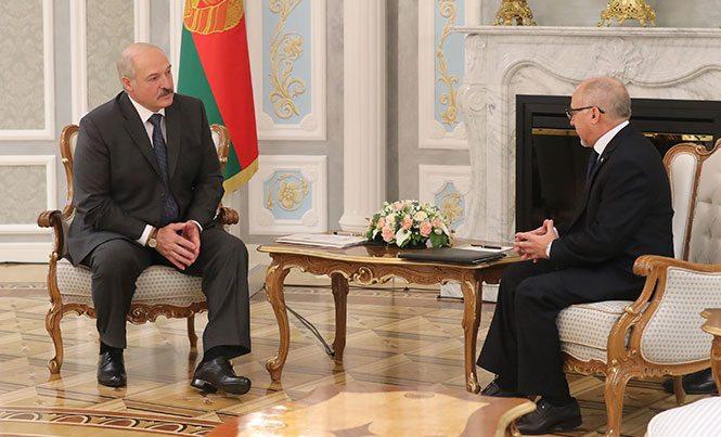 Во время встречи. Фото: http://president.gov.by
