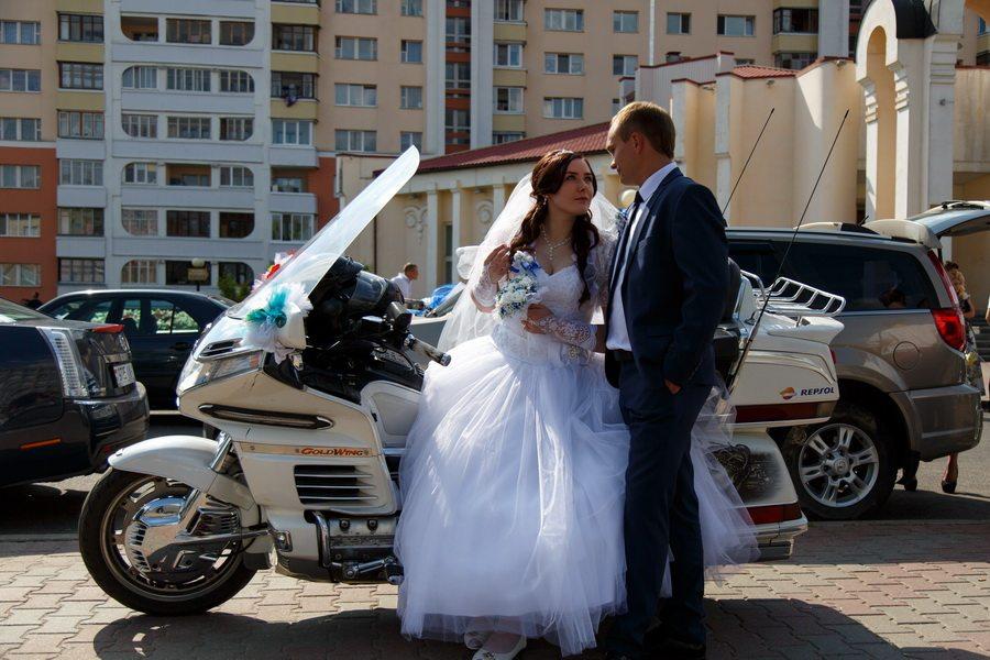 Анастасия Середа, в 2016 году устроила с мужем мотосвадьбу. Фото: архив семьи