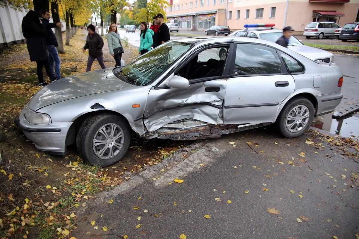 ДТП на улице Курчатова. Фото: Татьяна МАЛЕЖ