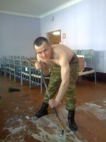Уборка казармы. Фото: архив автора