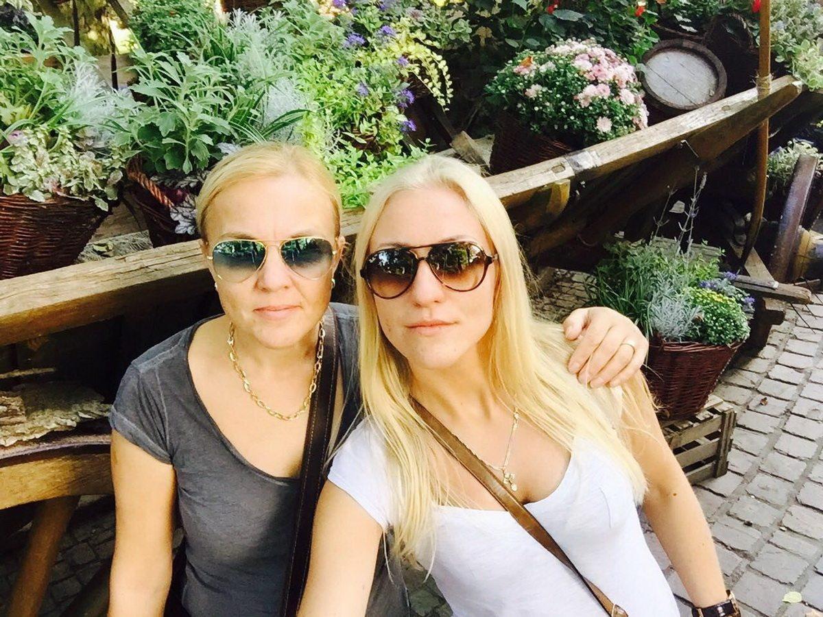 Тамара Раменспергер со старшей дочерью Ниной.