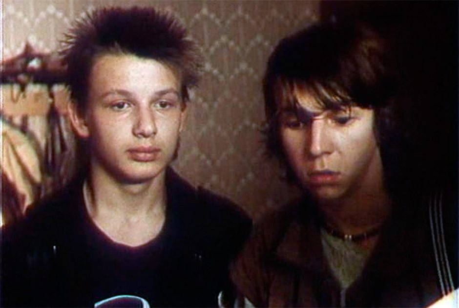 Паша в «Дорогой Елене Сергеевне» (1988, режиссер — Эльдар Рязанов). Кадр из фильма «Дорогая Елена Сергеевна»
